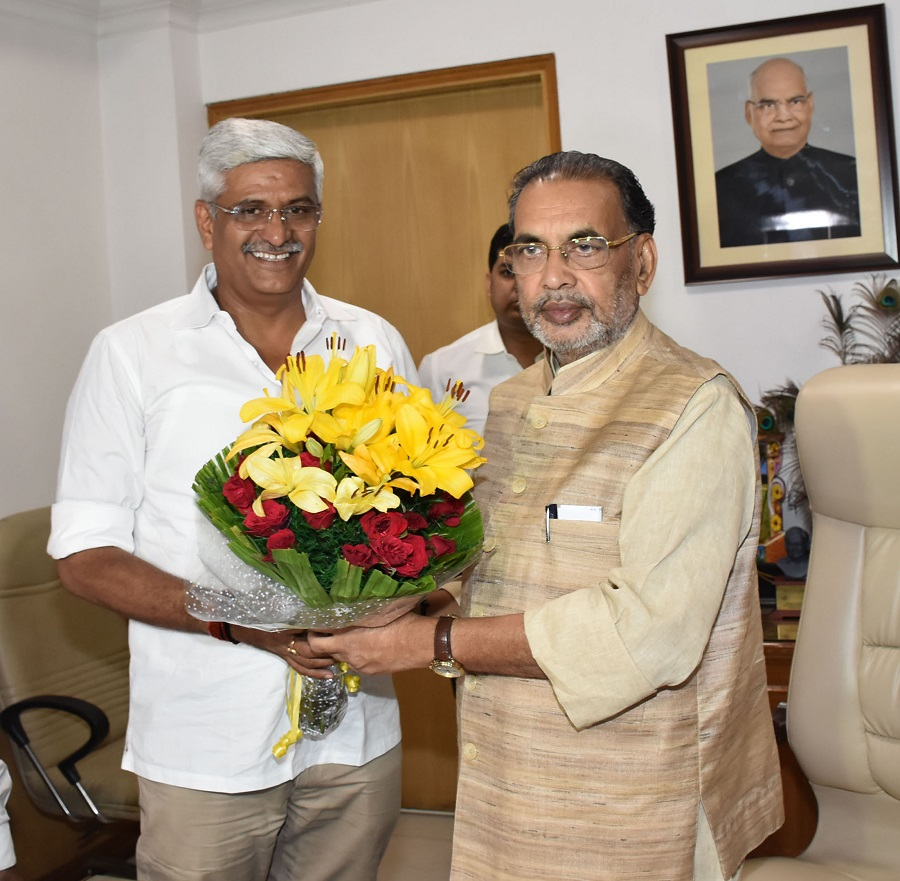 The Union Minister for Agriculture and Farmers Welfare, Radha Mohan Singh greeting the new Minister of State for Agriculture & Farmers Welfare, Gajendra Singh Shekhawat, in New Delhi September 04, 2017.