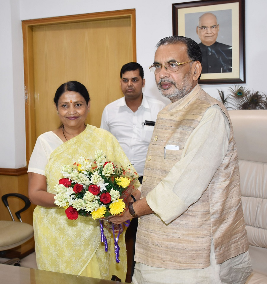 Radha Mohan Singh greeting the new Minister of State for Agriculture & Farmers Welfare, Krishna Raj, in New Delhi September 04, 2017.