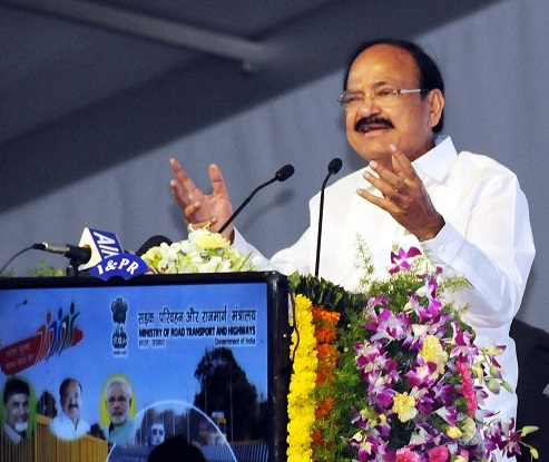 The Vice President, M. Venkaiah Naidu addressing the gathering at an event to lay foundation stone for the improvement of National Highways and National Water Ways, in Vijayawada, Andhra Pradesh on October 03, 2017.