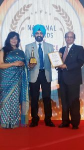 Mr APS Bhalla, Chief Operating Officer, Eye Q receiving the award