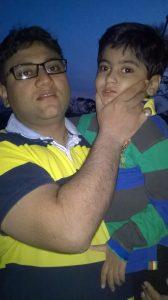 praveen-tyagi-with-his-son