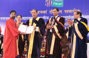 Mr Radha Mohan Singh presented the degree to the students, at the Fifty Fifth Convocation of the Post Graduate School of the IARI.